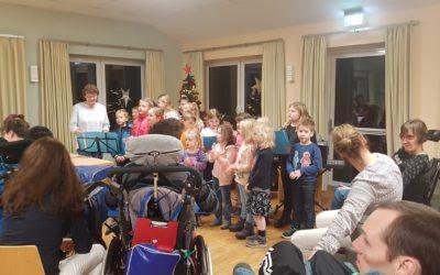 Kinderchor Singing Kiddie`s zu Besuch