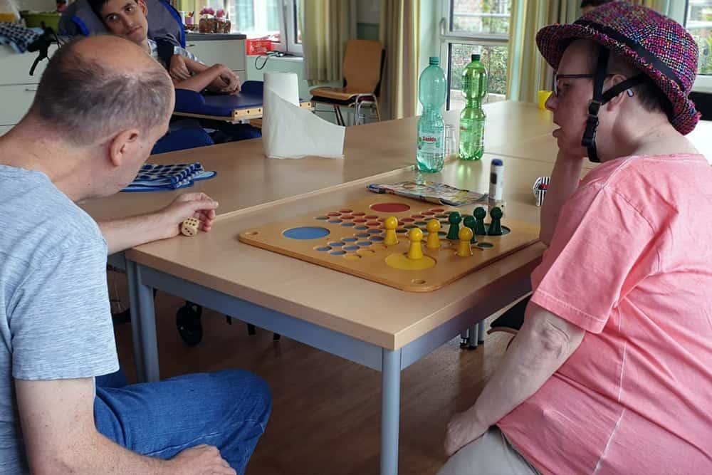 Spielen im Pflegeheim